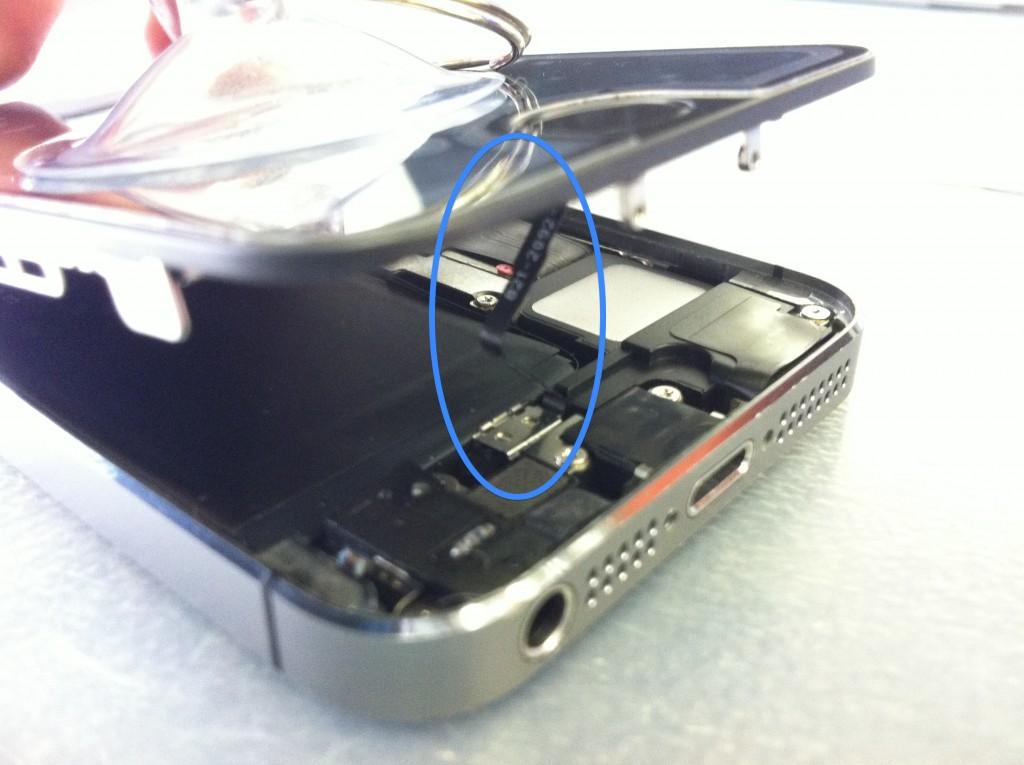 iPhone5Sのホームボタンケーブル注意