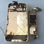 iPhone4S基盤、ロジックボード外し方