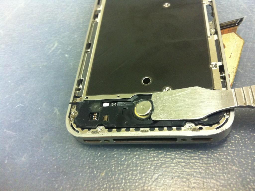 iPhone4Sホームボタン剥がす
