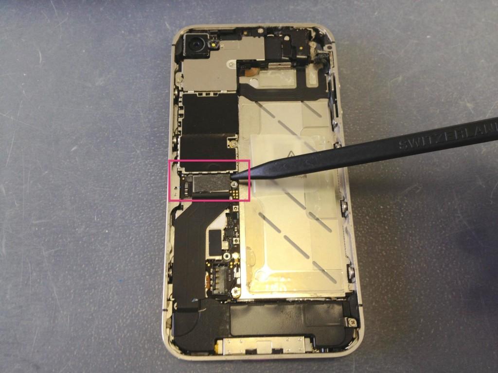 iPhone4Sコネクタ外し