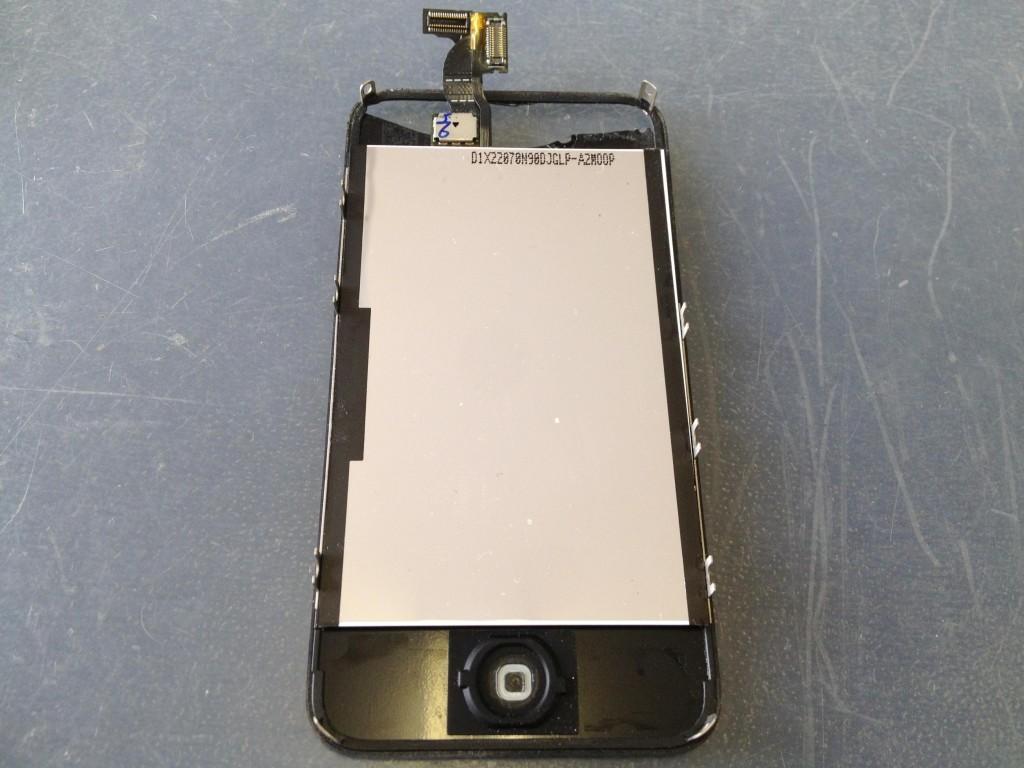 iPhone4Sフロントパネル取り外し完了