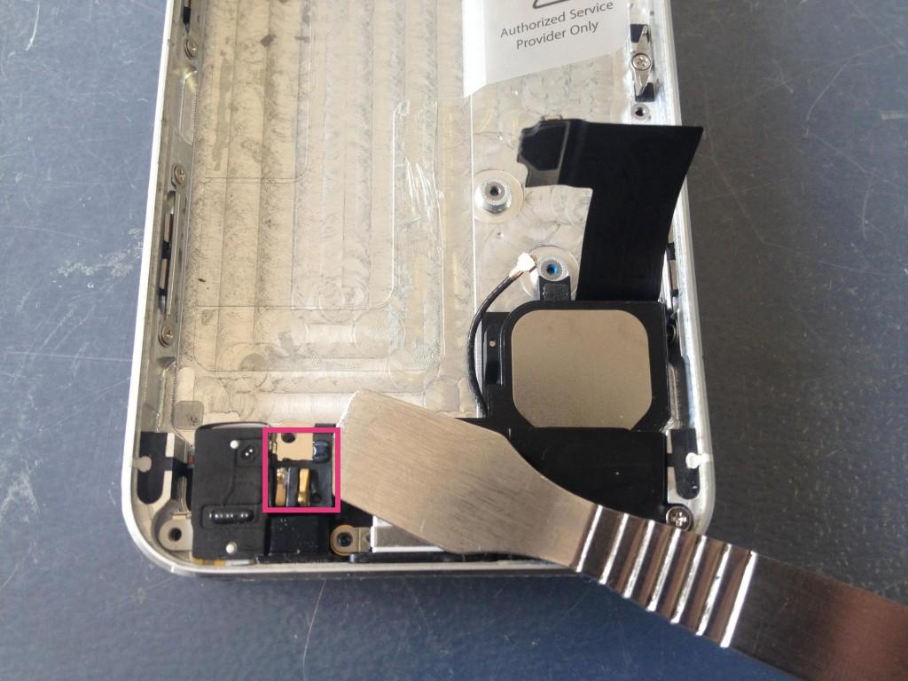 iPhone5ラウドスピーカー外す