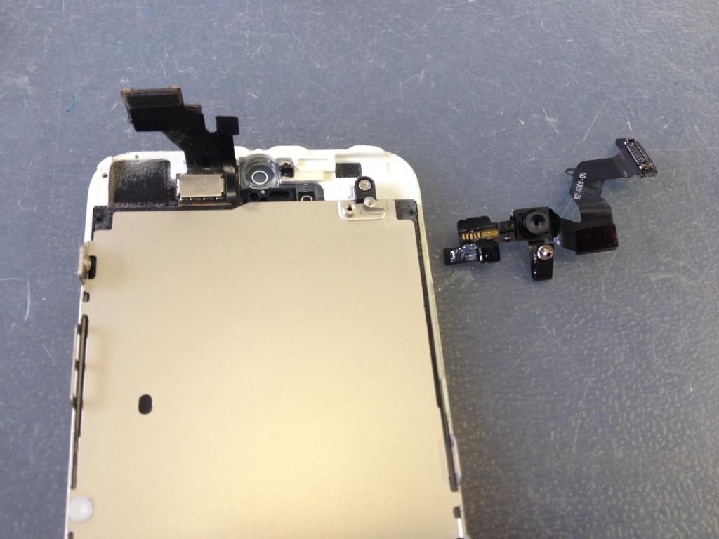 iPhone5インカメラ、センサー取り外し