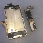 iPhone4基盤ロジックボード外し方