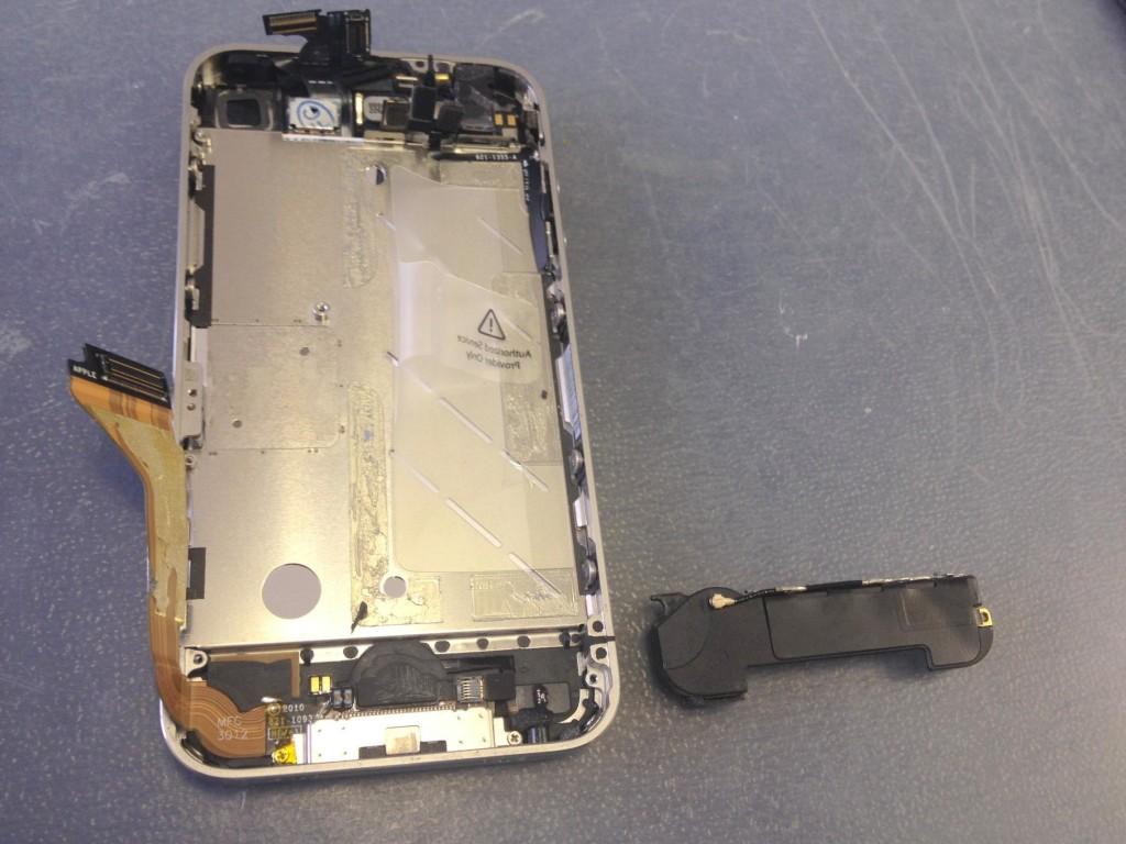 iPhone4ラウドスピーカー取り外し
