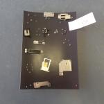保護中: iPhoneのネジをなくさず保管する方法 無料ネジ保管プレート
