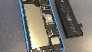 iPhone5Cバッテリー交換方法